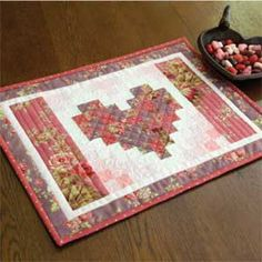 Two Hearts Runner: FREE Valentine Placemat Pattern