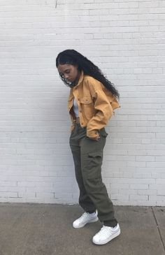 Outfits With Vans – Lady Dress Designs Tomboy Outfits, Retro Outfits, Trendy Outfits, Fall Outfits, Cute Outfits, Fashion Outfits, Fashion Trends, Black Girl Fashion, Look Fashion