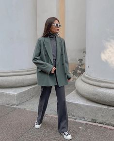 - Source by gizemshahinler - Blazer Outfits Casual, Outfits Otoño, Cute Casual Outfits, Fall Outfits, Fashion Outfits, Look Fashion, Winter Fashion, Look Boho, Casual Street Style