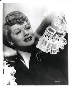 I love lucy so much i wactch an episode like every day with lunch