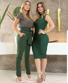 Taupe with black horizontal striped top with forest green pants & white heels Classy Outfits, Chic Outfits, Trendy Outfits, Fall Outfits, Girl Fashion, Fashion Dresses, Fashion Looks, Womens Fashion, Cute Flannel Outfits