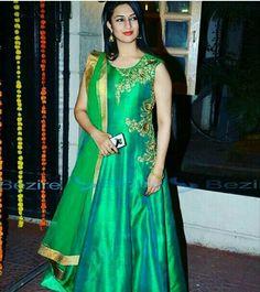 Divyanka tripathi in green suit!