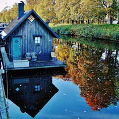 """/ Photo """"Holiday cottage on the River Fyris in Uppsala Sweden"""" by Pyry Luminen Such a pretty color for a houseboat! Small Places, Places To Go, Cabana, Beautiful Homes, Beautiful Places, Shanty Boat, Floating House, Floating Dock, Atelier D Art"""