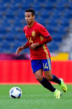Thiago Alcantara of Spain runs with the ball during an international friendly match between Spain and Korea at the Red Bull Arena stadium on June 1, 2016 in Salzburg, Austria.