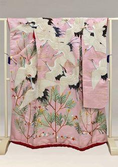 Japanese Textiles, Japanese Patterns, Japanese Prints, Japanese Kimono, Japanese Art, Traditional Fashion, Traditional Dresses, Traditioneller Kimono, Costumes Japan