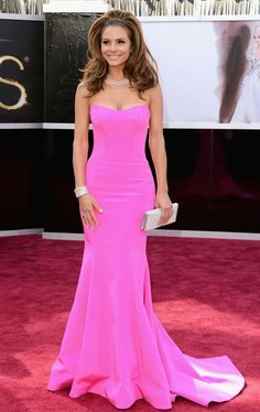 Dreamily body-hugging dress, adorable pink color plus fashionable design, it is hard to be ignored.