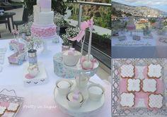 O Batizado da Emília. Cake, Cupcakes, Cakepops and Cookies by Pretty in Sugar | Decoração by Carla António&Ana Lúcia Machado | Cake Stand by Coco&Baunilha.