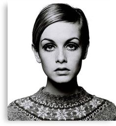 Twiggy Originally from South Africa, Barry Lategan is one of Britains's most renowned and influential photographers. Probably best known for his early portraits of icon Twiggy—two of which are. 60s Icons, Style Icons, Girly Girl, Moda Pin Up, Brian Duffy, Jean Shrimpton, Cecil Beaton, Photocollage, 1960s Fashion