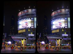 Toronto's Yonge-Dundas Square 3D ::: DRi Stereoscopic Cross-View
