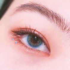 Imagen de eyebrows, korean makeup, and eyeliner - Makeup Looks Korean Korean Makeup Tips, Korean Makeup Look, Asian Eye Makeup, Eye Makeup Art, Kiss Makeup, Smokey Eye Makeup, Cute Makeup, Makeup Looks, Korean Makeup Tutorials