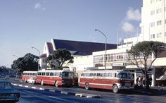 Claridges Hotel,Green Point 1969 where Cape Royale is now! Bus Terminal, Bus Stop, Old Pictures, Cape Town, South Africa, Street View, Afrikaans, History, 50th Birthday