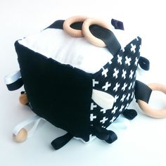 MONOCHROME BLACK WHITE SWISS CROSS CROSSES COGNITIVE ACTIVITY CUBE BABY TOY RATTLE TAGGIE RIBBON WOODEN RING BEECH WOOD SOFT BLOCK HANDMADE KAWAIIDEZIGNS