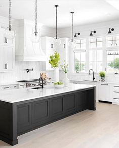 Living Room Kitchen, Home Decor Kitchen, Kitchen Interior, Home Kitchens, Kitchen Ideas, Classic Kitchen, Modern Kitchen Design, Beautiful Kitchens, Home Remodeling