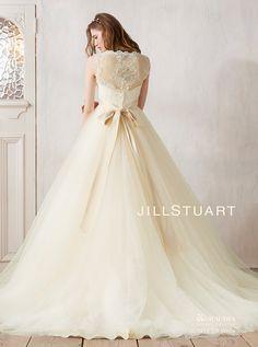 アクア・グラツィエがセレクトした、JILLSTUART(ジル スチュアート)のウェディングドレス、JIL0212をご紹介いたします。