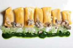 Aurora Mazzucchelli, 1 stella Michelin Maccheroni al torchio con anguilla affumicata, ragù d'ostrica e salsa di spinaci