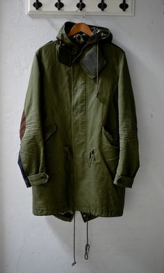green parka with elbow pads Rare Clothing, Fishtail Parka, Street Wear, Menswear, Mens Fashion, Stylish, My Style, How To Wear, Clothes