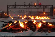 Net Photo: Metra None at Chicago, Illinois by Marshall W. Beecher Rail switches being kept from freezing and becoming unmovable. Gandy Dancer, Rail Train, Railroad Pictures, Pennsylvania Railroad, Old Trains, My Kind Of Town, Winter Storm, Train Tracks, Fire And Ice