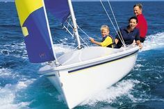 The Catalina is a dinghy designed by Gerry Douglas (United States). Boat Drawing, Small Sailboats, Best Boats, Life Aquatic, Charter Boat, Dinghy, Gulf Of Mexico, Small Boats, Luxury Yachts