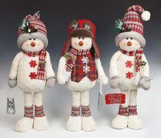 Muñecos de nieve con pies Christmas Storage, Christmas Wood Crafts, Outdoor Christmas, Christmas Snowman, Christmas Decorations, Christmas Ornaments, Sock Snowman, Snowman Crafts, Amigurumi Patterns