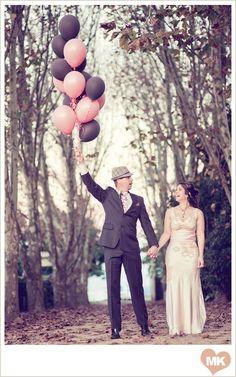 Wedding ballons. #engagementphotography #ballonsphotography #love #couples #photoidea #ballons #weddingphotography