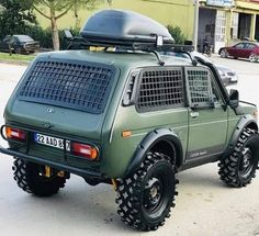 Custom Pickup Trucks, 4x4 Trucks, Bushcraft Camping, Camping Survival, Customised Trucks, Honda Scrambler, Bug Out Vehicle, Classy Cars, Mini Trucks