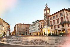 Piazza dei Tre Martiri, Rimini by smARTraveller | the smARTraveller blog ✈