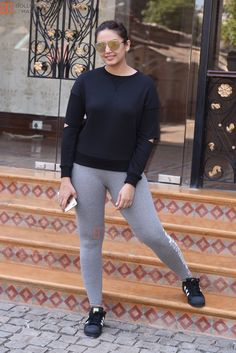 Filename : Huma Qureshi snapped at Royal Opera House as she went to shoot for House of Kotwara_s new fashion shoot on Jan 2017 Filesize : Dimensions : Date added : Jan 2017 Bollywood Actress Hot Photos, Indian Bollywood Actress, Bollywood Girls, Beautiful Bollywood Actress, Bollywood Celebrities, Indian Actresses, Hindi Actress, Indian Celebrities, Bollywood Fashion