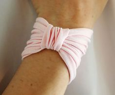 How to sew a cute Bow Bracelet - which also works as a hairband! :) Free Pattern too!