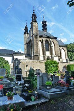 http://www.123rf.com/photo_51342392_chapel-of-the-ossuary-of-sedlec-kutna-hora-czech-republic.html