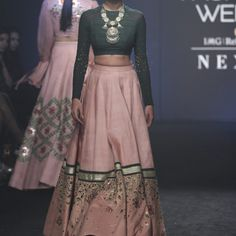 Divya Reddy at Lakmé Fashion Week Winter/Festive 2017 l Vogue India Party Wear Indian Dresses, Indian Wedding Outfits, Indian Outfits, Indian Clothes, Fashion Designer, Indian Designer Wear, Designer Dresses, Indian Attire, Indian Wear