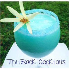 Got a case of the Mondays? Shake it off with this moody cocktail!   Monday Blues 1 oz Pina Colada 1 oz Vodka 1/2 Blue Curaçao  2 oz pineapple juice 1 cup of ice *Garnish glass rim with blue sugar. Combine all ingredients, blend, and enjoy!*