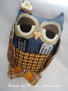 Idea: Owl cushion with pocket for remote control  To decorate and organize!