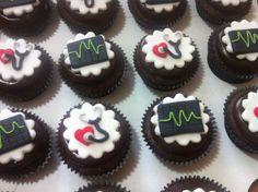 Cupcakes formatura medicina Misses Cakes