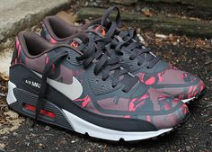 nike wmns air max 90 tape red camo 1 Nike WMNS Air Max 90 Tape   Red Camo   Dark Grey