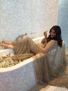 Cannes 2016: What's Aishwarya Doing in a Bathtub. Find Out! | PINKVILLA
