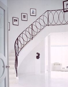 darryl wilson Contemporary but not sterile metal / iron banister and railing - Overlapping circle design - Simple but elegantContemporary but not sterile metal / iron banister and railing - Overlapping circle design - Simple but elegant Stair Handrail, Staircase Railings, Banisters, Stairways, White Staircase, Metal Railings, Spiral Staircases, Modern Staircase, Grand Staircase
