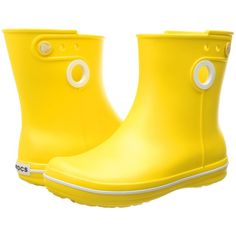 Crocs Jaunt Shorty Boot (Lemon) Women's Boots (€27) ❤ liked on Polyvore featuring shoes, boots, yellow, lightweight shoes, lemon shoes, light weight boots, croc boots and lightweight boots