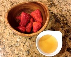 Beauty DIY: PrettyGossip's Strawberry + Honey Face Mask. Click for details.