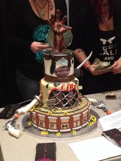 The Walking Dead Cake on We Heart It