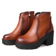 Británico que restaura maneras antiguas de estilo del dedo del pie redondo del cuero de grano completo en plataformas a gran bota de tacón alto negro marrón mujeres de botas de montar(China (Mainland))