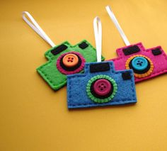 Felt camera ornaments-I made one and didn't do the scallop circle but still came out great