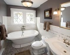 Revere pewter benjamin moore bathroom traditional bathroom by design build firms builders House Paint Interior, Interior Paint Colors, Paint Colors For Home, Interior Walls, House Colors, Interior Design, Grey Bathrooms, White Bathroom, Modern Bathroom