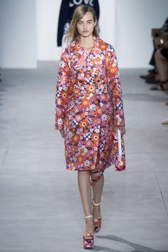 View the complete Michael Kors Collection Spring 2017 collection from New York Fashion Week.