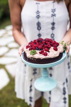 Chocolate Cake w/ Chocolate-Coconut Cream & Berries (gluten, grain & dairy free + naturally sweetened! Gluten Free Chocolate Cake, Little's Coffee, Coconut Cream, Cravings, Dairy Free, Delish, Berries, Food And Drink, Cooking Recipes