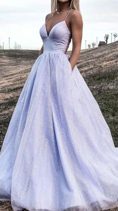 Stunning Prom Dresses, Pretty Prom Dresses, Prom Dresses For Teens, Prom Outfits, Formal Evening Dresses, Elegant Dresses, Purple Grad Dresses, Backless Evening Gowns, Unique Prom Dresses