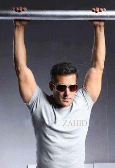 Salman Indian Celebrities, Bollywood Celebrities, Salman Khan Wallpapers, Salman Khan Photo, Desi Masala, Movie Teaser, Star Images, King Of Hearts, Hrithik Roshan