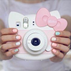 < i actually really really want this hello kitty polaroid >< >