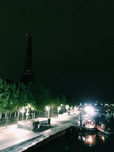 3am sightseeing; Paris, France (Aug 2016)