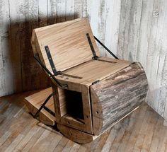 Táto polohovateľná stolička vyrobená zo zvyškov dreva je ukážkovým príkladom ako recyklovať. Osobne si myslím, že je dobré nájsť stoličke svoje miesto (chata, krb,...), keďže nie je asi najľahšia, aj keď kotúľať by sa dala :]