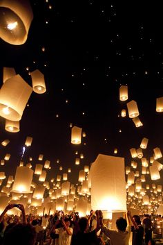 Beautiful Lantern Festival in Thailand. Thousands of Khom Loy lanterns are released in the air on the festival grounds at the Mae Jo University, Thailand. Oh The Places You'll Go, Places To Travel, Beautiful World, Beautiful Places, To Infinity And Beyond, Chiang Mai, Thailand Travel, Visit Thailand, Phuket